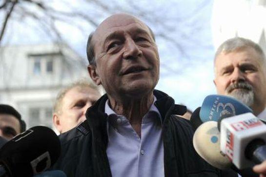 Visszatérne a politikába Traian Băsescu