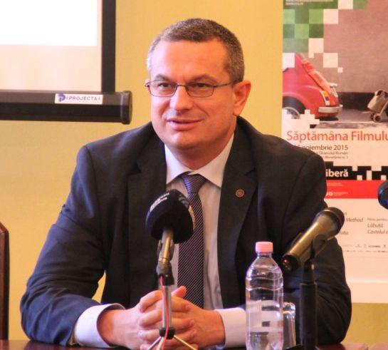 Johannis rájátszott a magyarokkal szembeni előítéletekre
