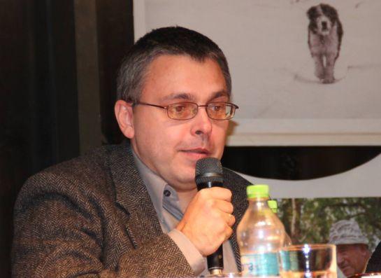 Az írás egy reménytelen dolog – Beszélgetés Dragomán György íróval