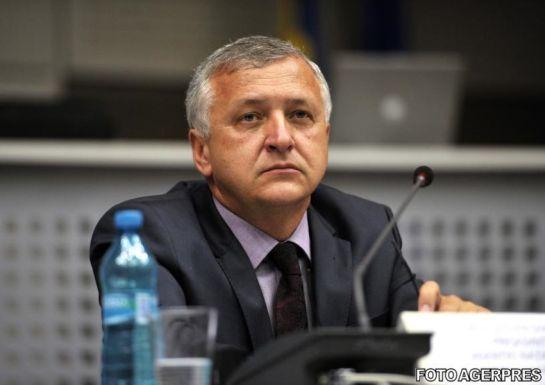 Bűnvádi eljárást indított a korrupcióellenes ügyészség az országos adóhatóság vezetője ellen