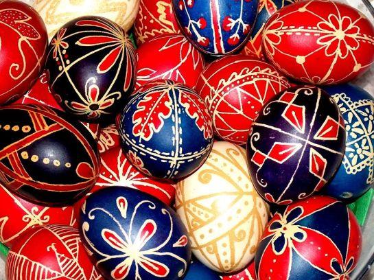 Hagyományos tojásfestés, A Krím és Szvorák Katalin az Észpresszóban