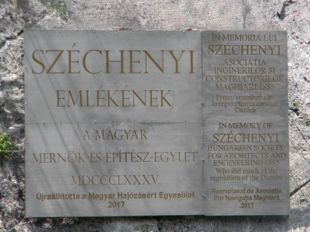 Emléktáblát avattak a Dunán