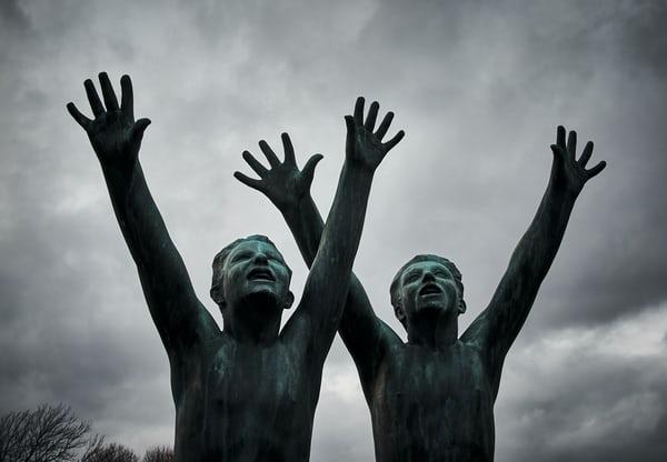 """Lesz-e háború, lesz-e béke? – száz napja a """"korona"""" árnyékában(Sajtószemle, 2020.április 10.)"""