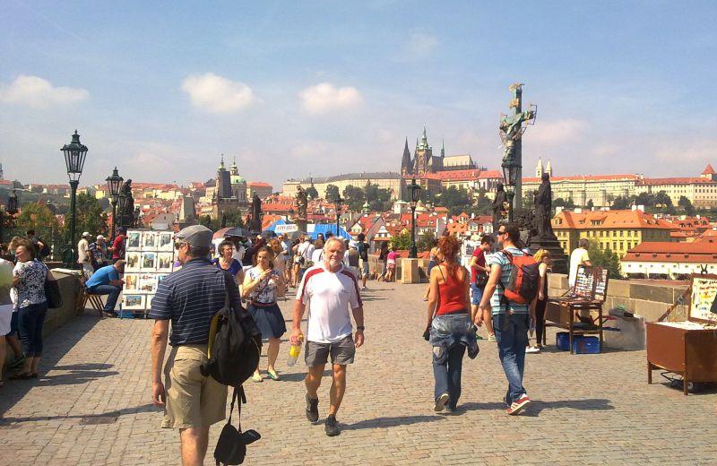 Csehországban felülvizsgálták a járványadatokat, jelentősen megugrott a gyógyultak száma