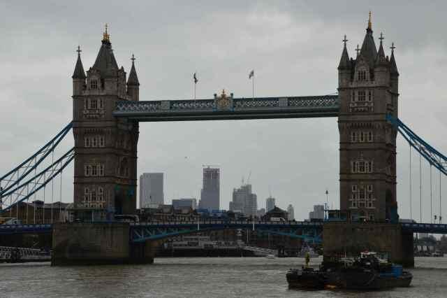 A hidegháború óta példátlan mértékben emeli a védelmi kiadásokat a brit kormány