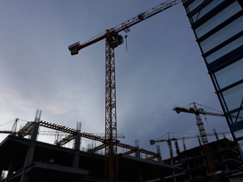 Leállnak az építkezések Bukarestben?