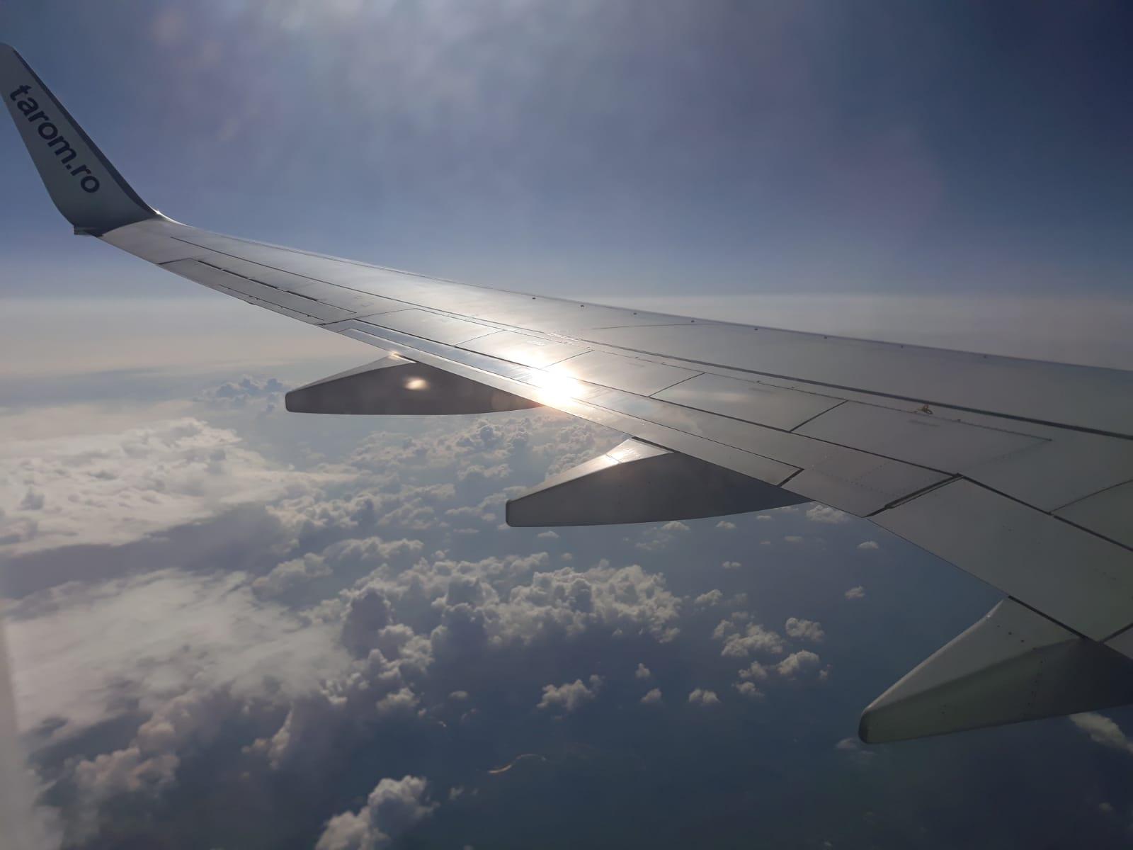 Hazai és nemzetközi járatokat töröl a TAROM