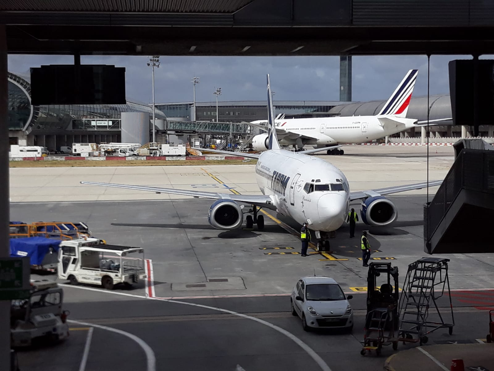 Alkalmazottaik akár harmadát is elbocsáthatják a diszkont légitársaságok
