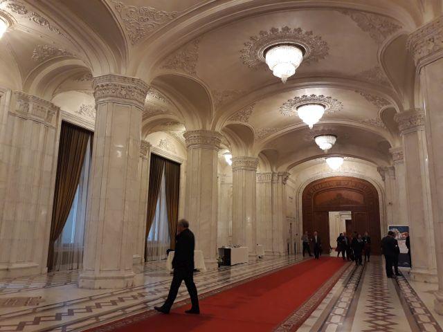 Megkezdi ma a Parlament az idei állami költségvetési és a társadalombiztosítási költségvetési törvény vitáját