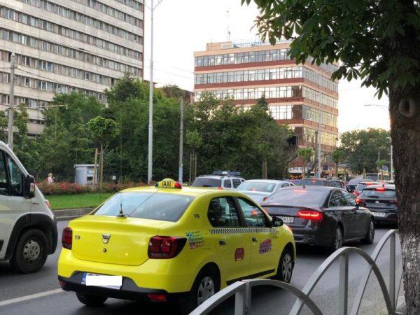 Érkezési sorrendben foglalhatók mától el a taxik a bukaresti repülőtéren