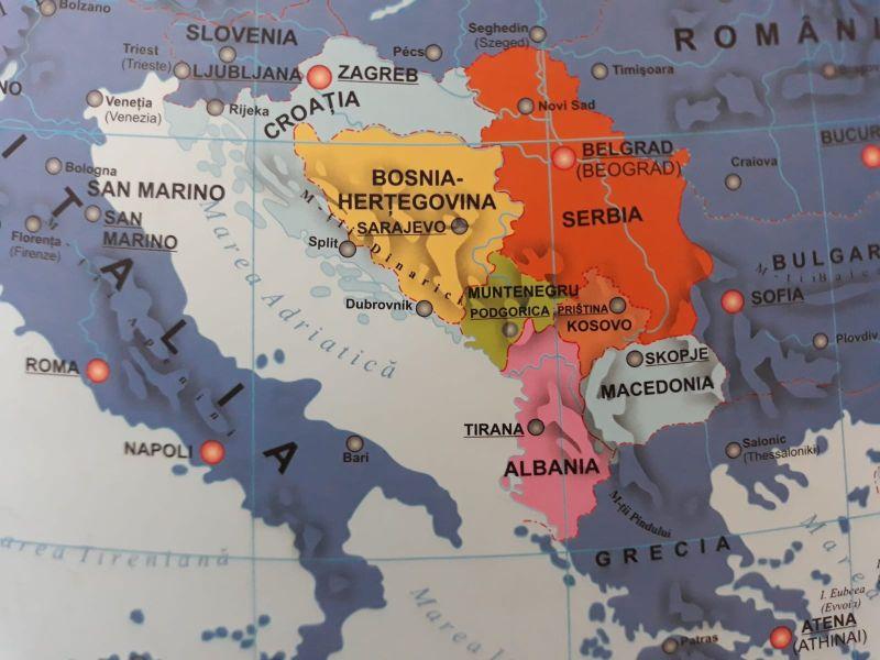 Koszovóban szeptember végére halasztották a tanév kezdetét