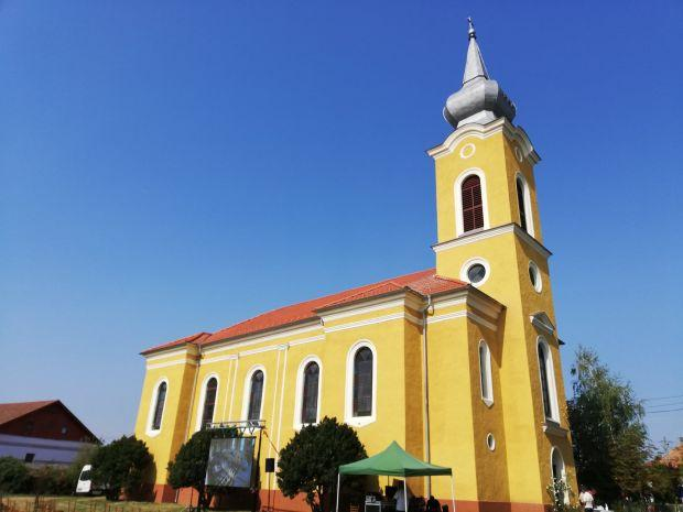 Felújított templomot avattak