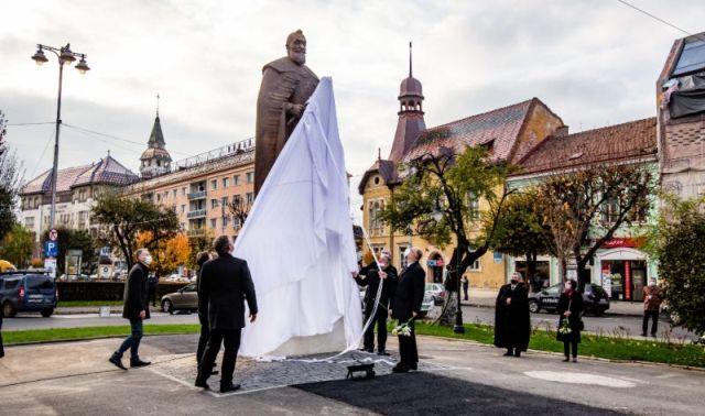Felavatták Marosvásárhelyen Bethlen Gábor szobrát