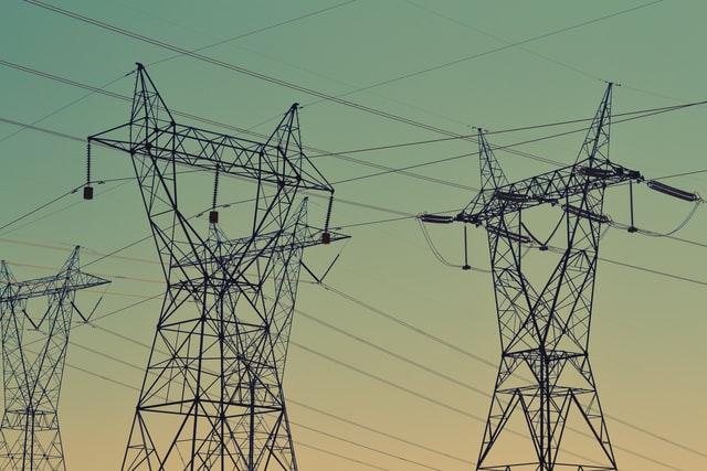 Január elsejétől liberalizálják a lakossági elektromos energia árát