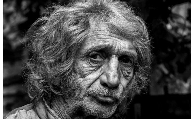 Szemtől-szemben: Bukarestben nyílik Bikafalvi Zsolt fotókiállítása