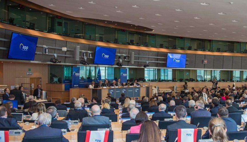 Az EP sietteti a jogállamisági mechanizmus alkalmazását