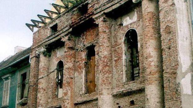 Patthelyzet az aradi régi színház ügyében