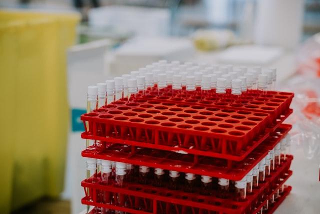 Nagy adag Pfizer-BioNTech-oltás érkezett ma Romániába