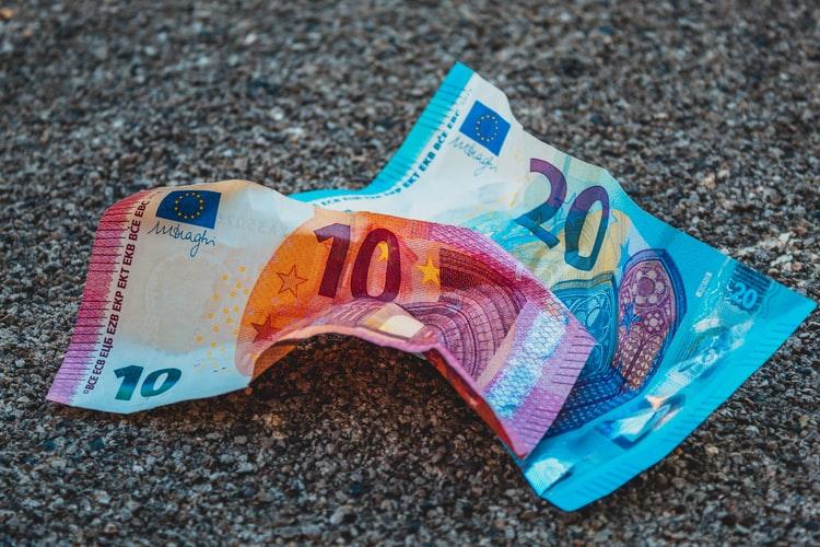 Az Európai Unió viszonylatában Romániában fizetik a harmadik legkisebb bruttó minimálbért